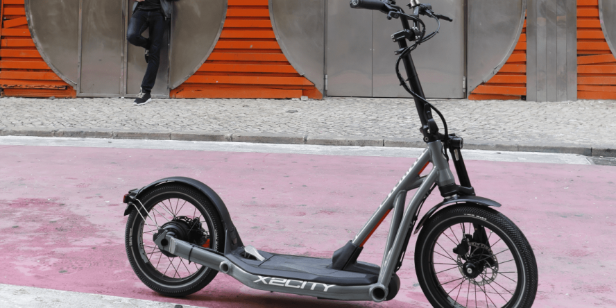 bmw-x2city-e-tretroller-electric-kick-scooter-3-min