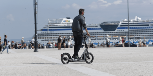 bmw-x2city-e-tretroller-electric-kick-scooter-5-min