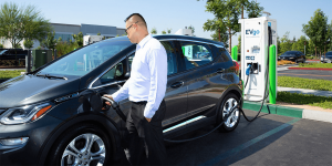 chevrolet-bolt-evgo-charging-station