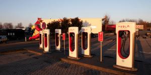 tesla-supercharger-mit-ccs-autohof-rhueden-daniel-boennighausen-01 (1)