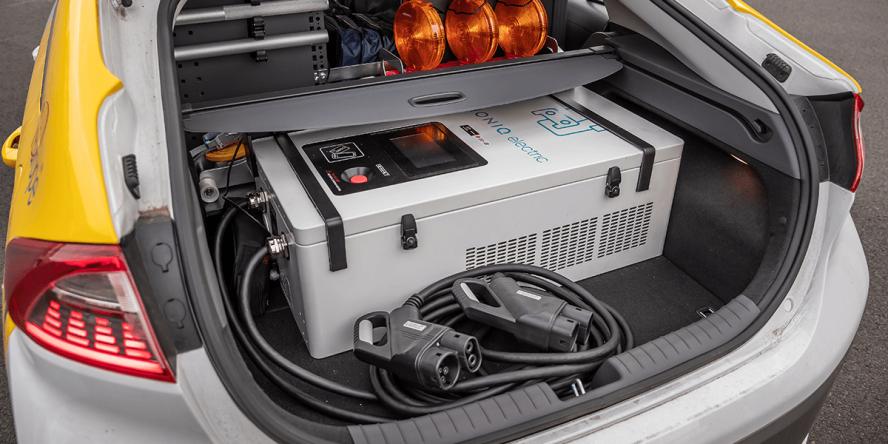 adac-hyundai-ioniq-elektro-charging-service-v2v-01