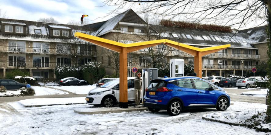 fastned-charging-station-ladestation-van-der-valk-hotel-gladbeck