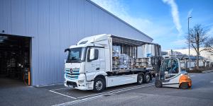 mercedes-benz-ecatros-logistik-schmitt-elektro-lkw-electric-truck (1)