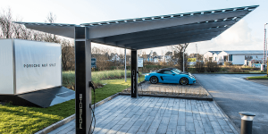 porsche-sylt-photovoltaik-carport-mit-ladestation-02