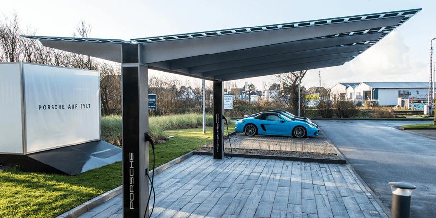 porsche-sylt-photovoltaik-carport-mit-ladestation-02