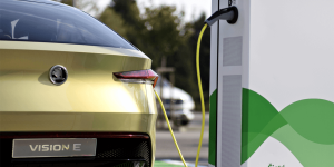 skoda-vision-e-concept-car-charging-station-ladestation-czech-republic-tschechien