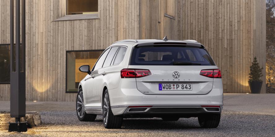 volkswagen-passat-gte-variant-2019-03