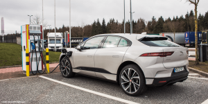 eon-ladestation-charging-station-jaguar-i-pace-daniel-boennighausen