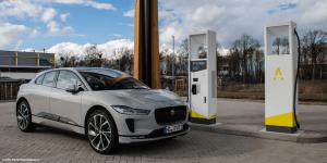 jaguar-i-pace-fastned-charging-station-ladestation-hildesheim-daniel-boennighausen