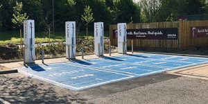 ionity-hpc-charging-station-ladestation-uk-grossbritannien