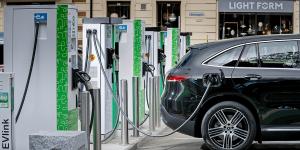 mercedes-benz-eqc-fortum-charging-station-ladestation-norway-norwegen-01-min