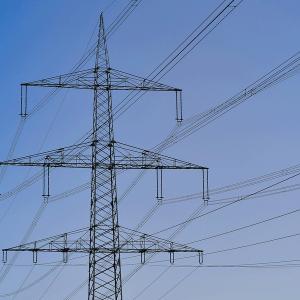 strommast-stromnetz-power-pole-power-grid-pixabay