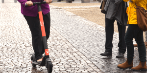 voi-technology-e-tretroller-electric-kick-scooter