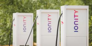 ionity-ladestation-charging-station-uk-04-min