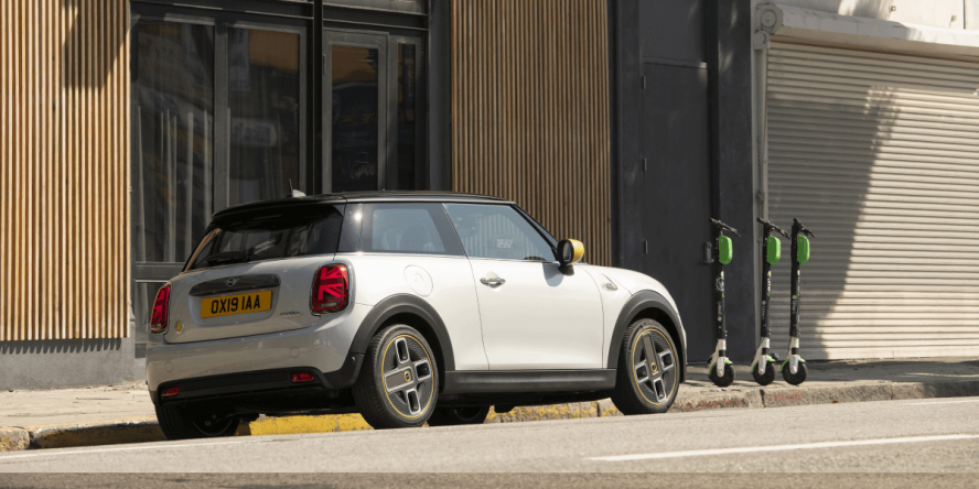 mini-electric-cooper-se-2019-09