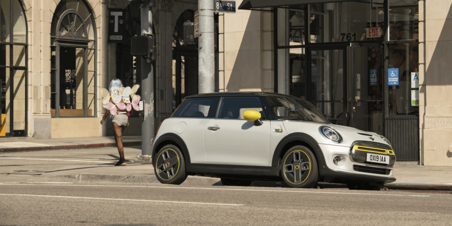 mini-electric-cooper-se-2019-10