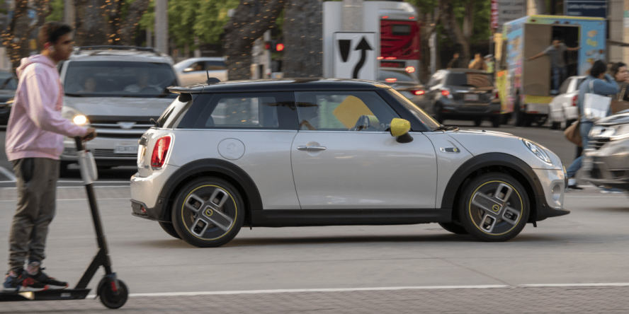mini-electric-cooper-se-2019-12