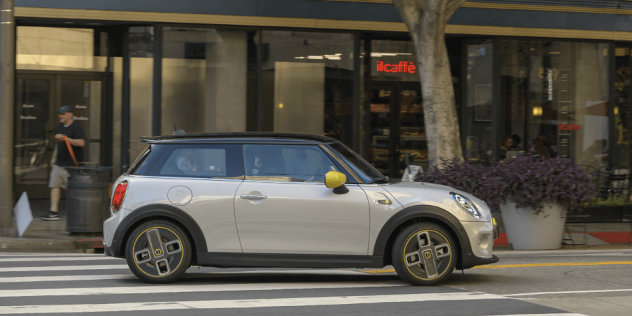 mini-electric-cooper-se-2019-13