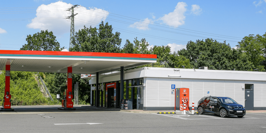 orlen-star-ladestation-charging-station-berlin-04-min