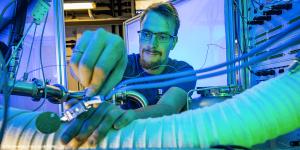 tu-chemnitz-brennstoffzellenlabor-fuel-cell-hydrogen-wasserstoff-02-min