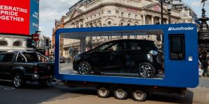 autotrader-contactless-car-vending-machine