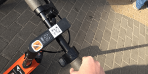 fiqsy-e-tretroller-electric-kick-scooter-riga-lettland-latvia-daniel-boennighausen-2019-05
