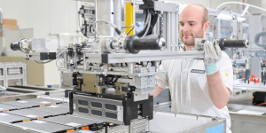 akasol-batterie-produktion-battery-production-langen-2019-01-min