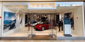 tesla-store-2019-001-min