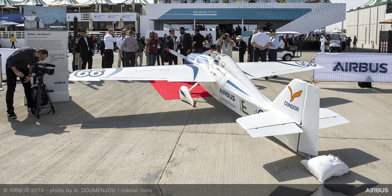 Condor enthüllt E-Flugzeug für Rennserie Air Race E - electrive.net