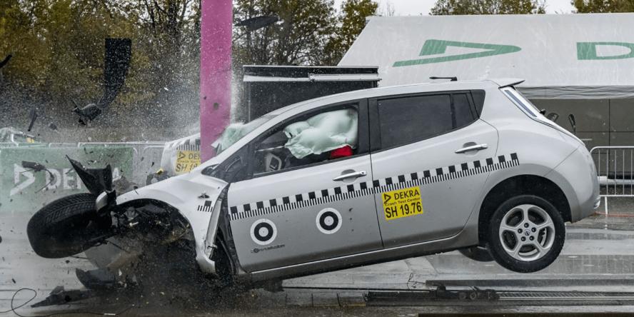 dekra-nissan-leaf-crashtest-2019-02-min