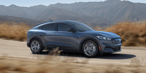 ford-mustang-mach-e-2019-03-min