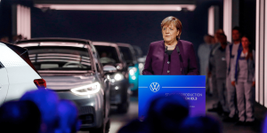 volkswagen-id3-meb-produktion-production-zwickau-2019-08-angela-merkel-min