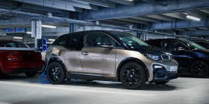 bmw-eon-ladestation-charging-station-wallbox-2019-03-min