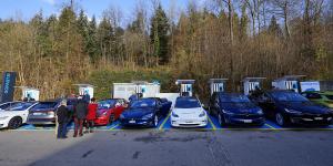 gotthard-fastcharge-gofast-wuerenlos-richtung-bern-schweiz-switzerland-ladestation-charging-station-2019-01-min