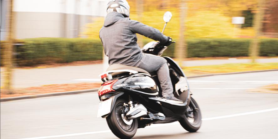 trinity-uranus-e-roller-electric-scooter-2019-01-min