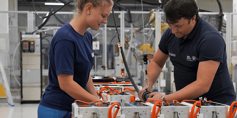 BMW plant angeblich Pilot-Batteriezellenfertigung nahe München