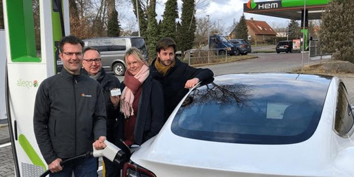Erster HPC-Lader an HEM-Tankstelle der Deutschen Tamoil