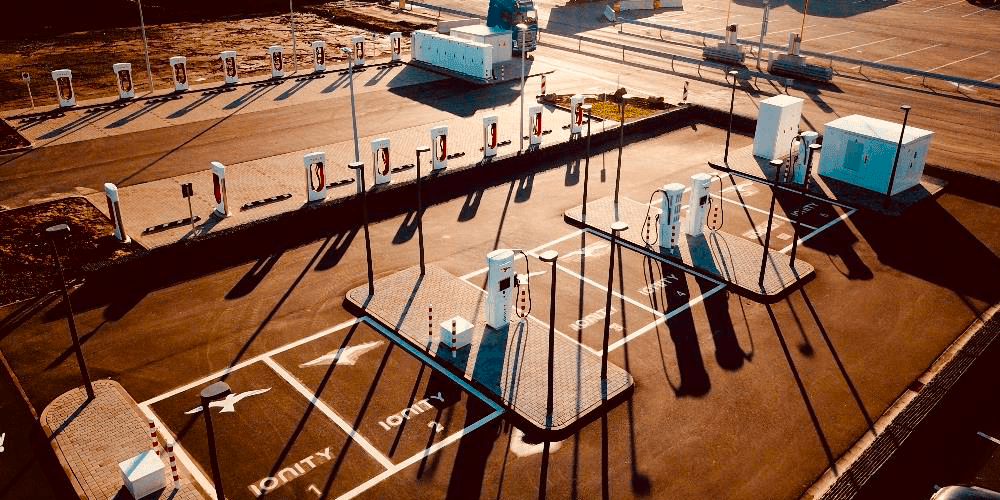 Neuer Schnellladepark mit 20 Ladepunkten an der A7