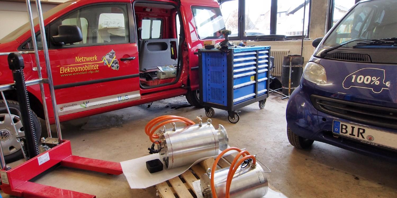 Lifecycle-Analyse: Batterieproduktion und Fahrstrom beeinflussen Ökobilanz von Elektroautos am meisten