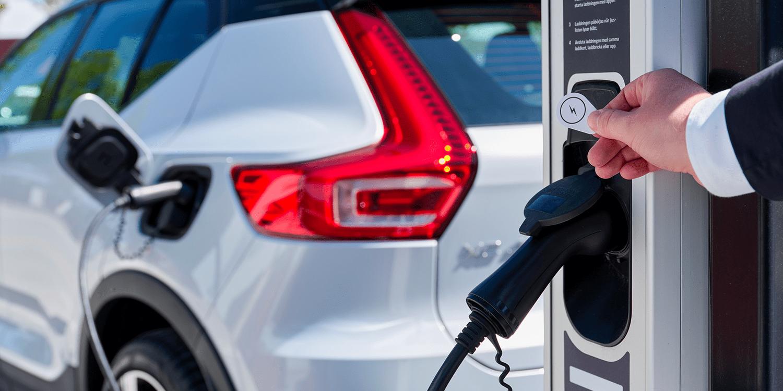 Volvo Cars setzt auf Plugsurfing als Ladepartner