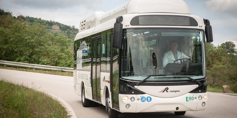 Siemens liefert zehn E-Bus-Lader nach Genua